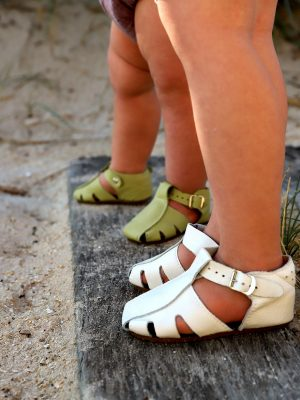 Pasito-sandals-Customers4